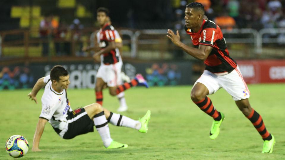 Berrío Wagner Flamengo Vasco 2017
