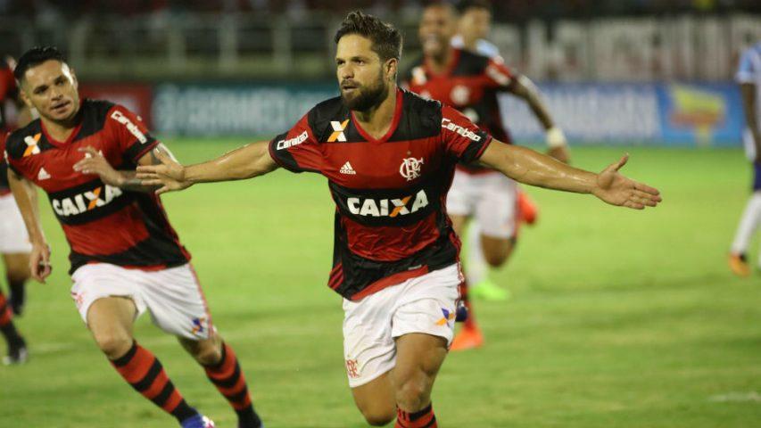 Gol de Diego pelo Flamengo em 2017