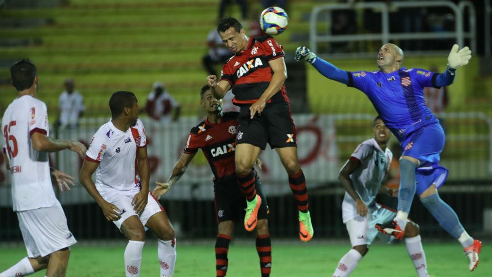 Leandro Damião cabeçada Bangu Flamengo 2017