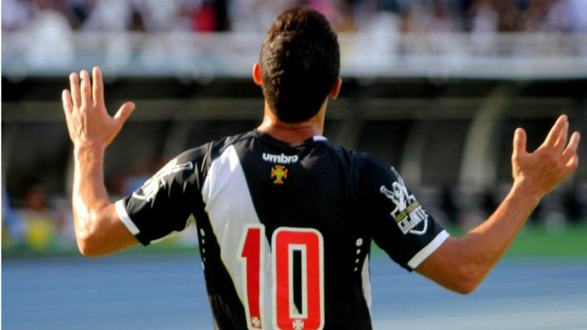 Nenê gol Vasco Macaé 2017