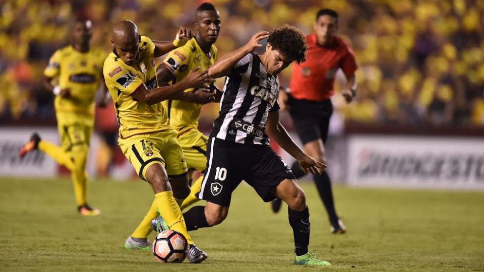 Camilo Botafogo Barcelona Libertadores 2017