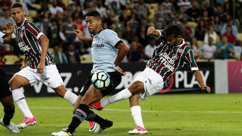 Scarpa Michel Fluminense Grêmio