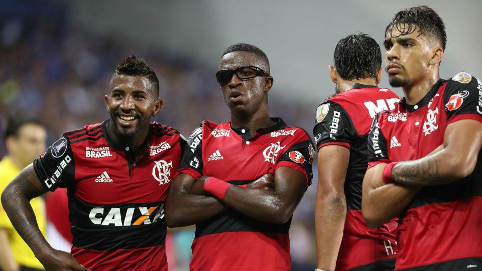 Vinicius Junior comemoração óculos Emelec Libertadores