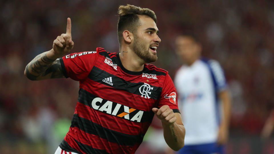 Vizeu gol Maracanã Flamengo 2018 Paraná