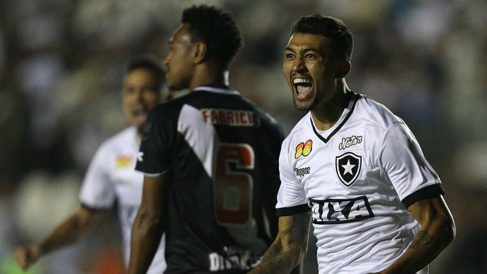 Kieza gol Vasco Botafogo São Januário Brasileiro 2018