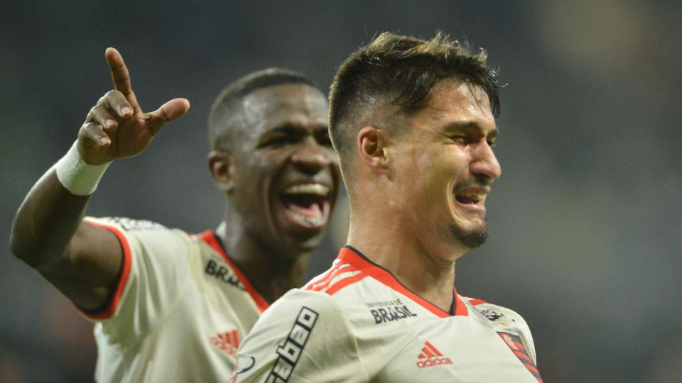 Thuler gol Flamengo Palmeiras