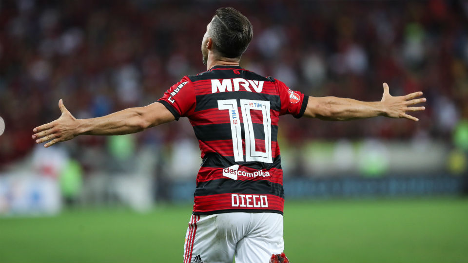 Diego Flamengo gol Vitória Maracanã 2018