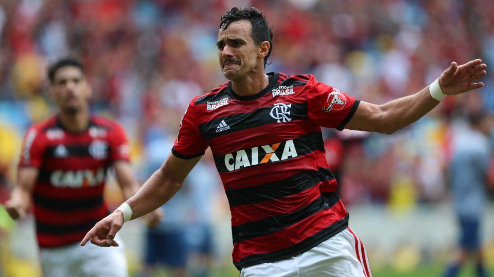Henrique Dourado Flamengo gol Maracanã 2018
