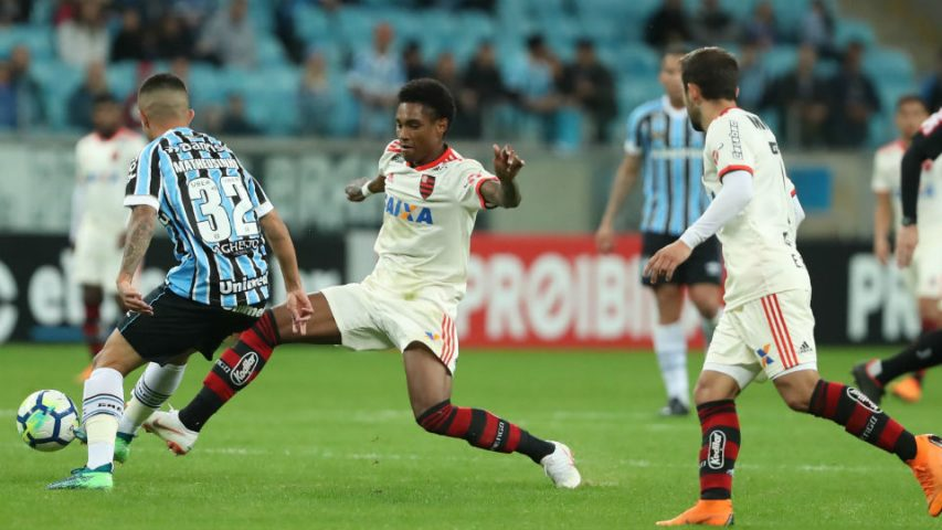 Flamengo Vitinho estreia titular 2018