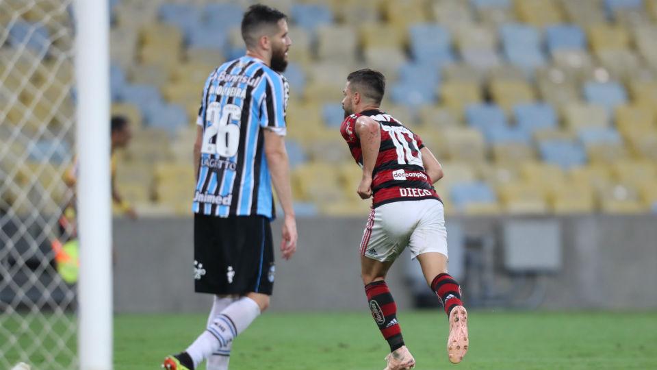 Diego Flamengo gol Grêmio Maracanã camisa 10