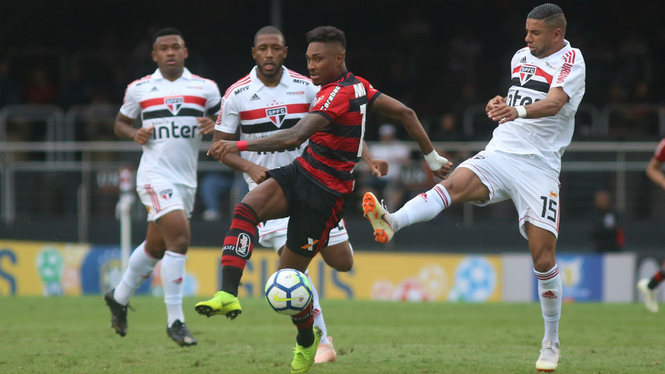 Vitinho Flamengo São Paulo Morumbi 2018