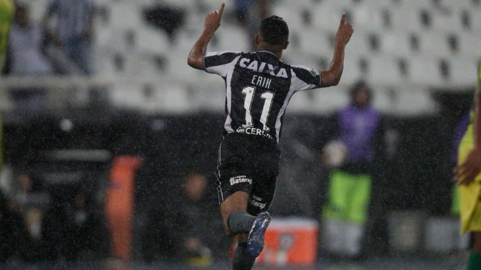 Erik Botafogo gol Defensa y Justicia