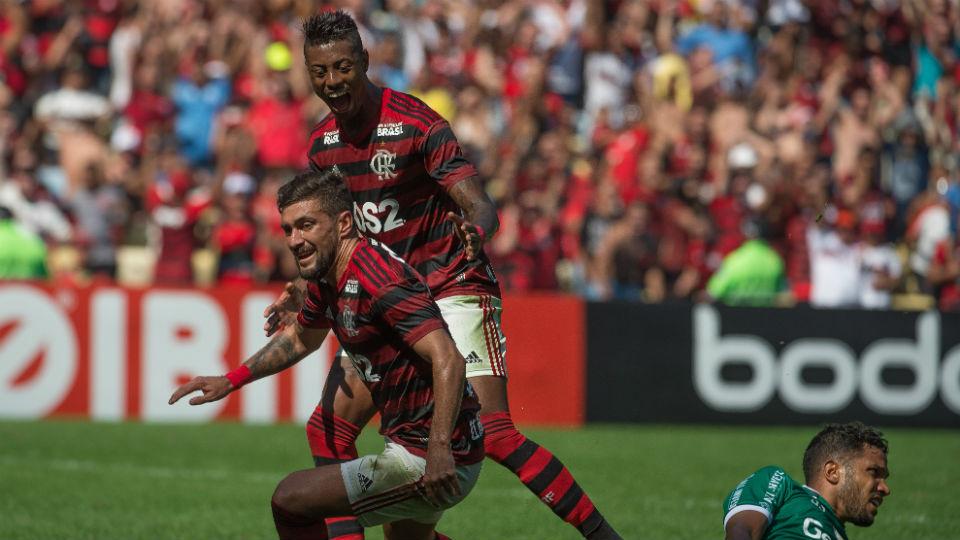 Arrascaeta Flamengo goiás hat-trick gols Maracanã 2019
