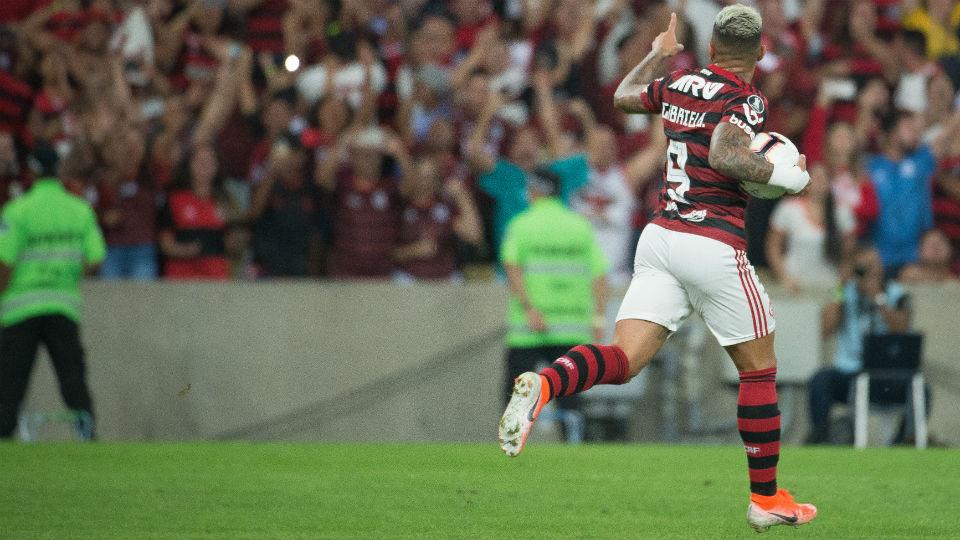 Gabigol gol Emelec Libertadores 2019 Flamengo
